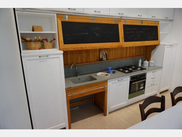 Cucina lineare Produzione Artigianale Country Chic