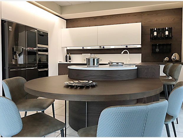 Cucina con penisola FMM Design CURVA