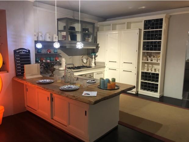 Cucina con penisola L'Ottocento Living design