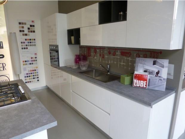 Cucina Brava Lube ~ Idee Creative su Design Per La Casa e Interni