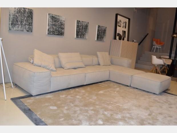 Living divani neowall idee per il design della casa for Living divani prezzi
